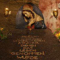 In liebendem Gedenken an alle abgetriebenen Kinder mit und ohne Namen